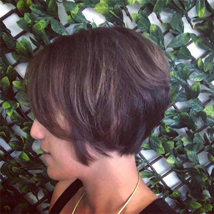 40 Best Short Hairstyles For Thick Hair Will Refresh Your Look